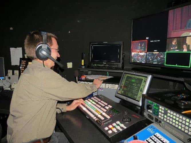 A Daily Task for Facilities Management - Audio-Visual Support at a Conference